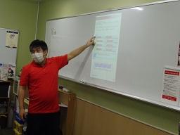 清野先生説明中2.JPG